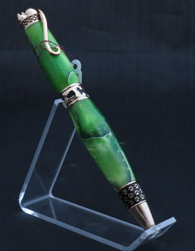 Gold and Green Cat Pen